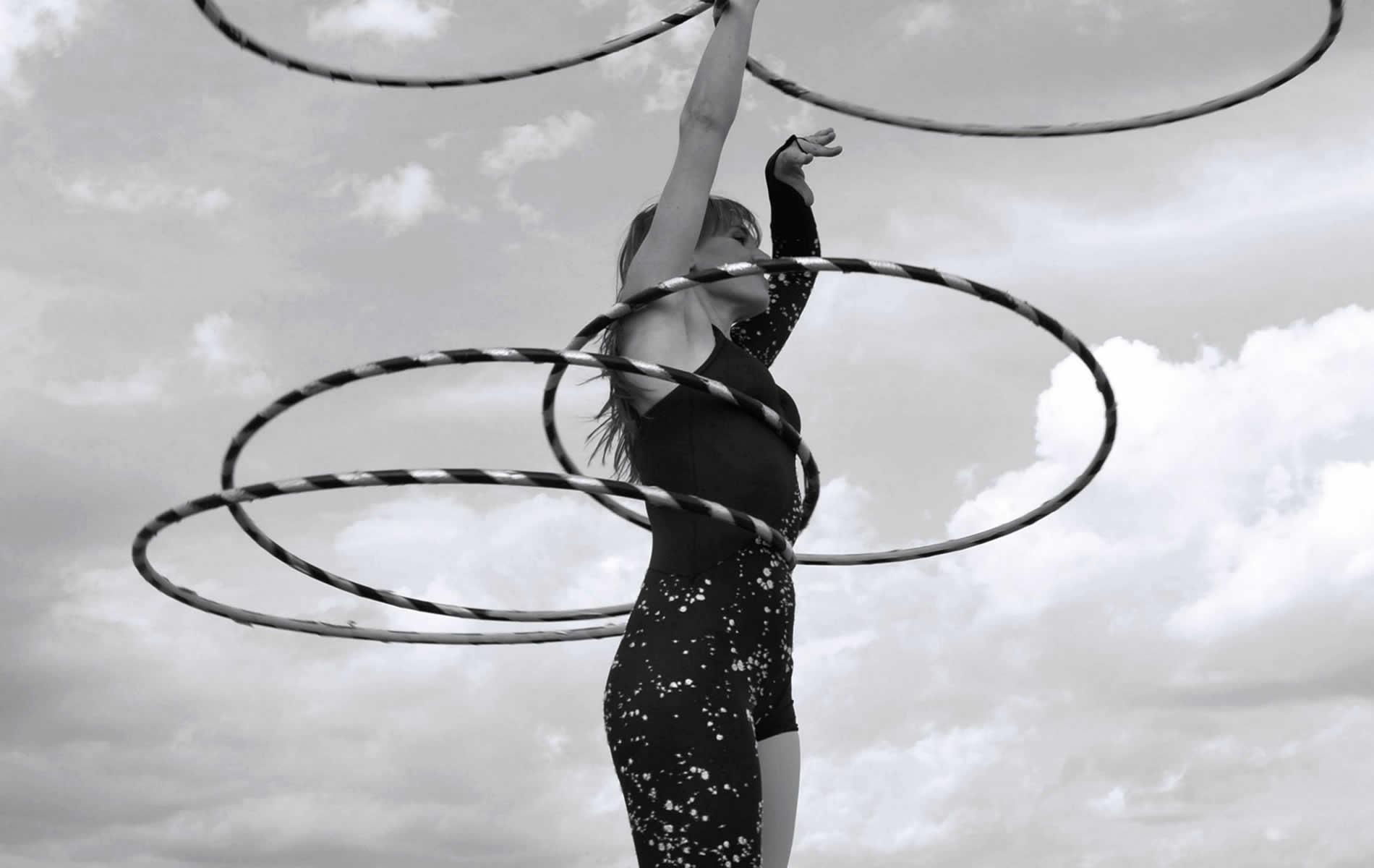 eleni ana Circus | Circus & Hula hoop performer - Musician