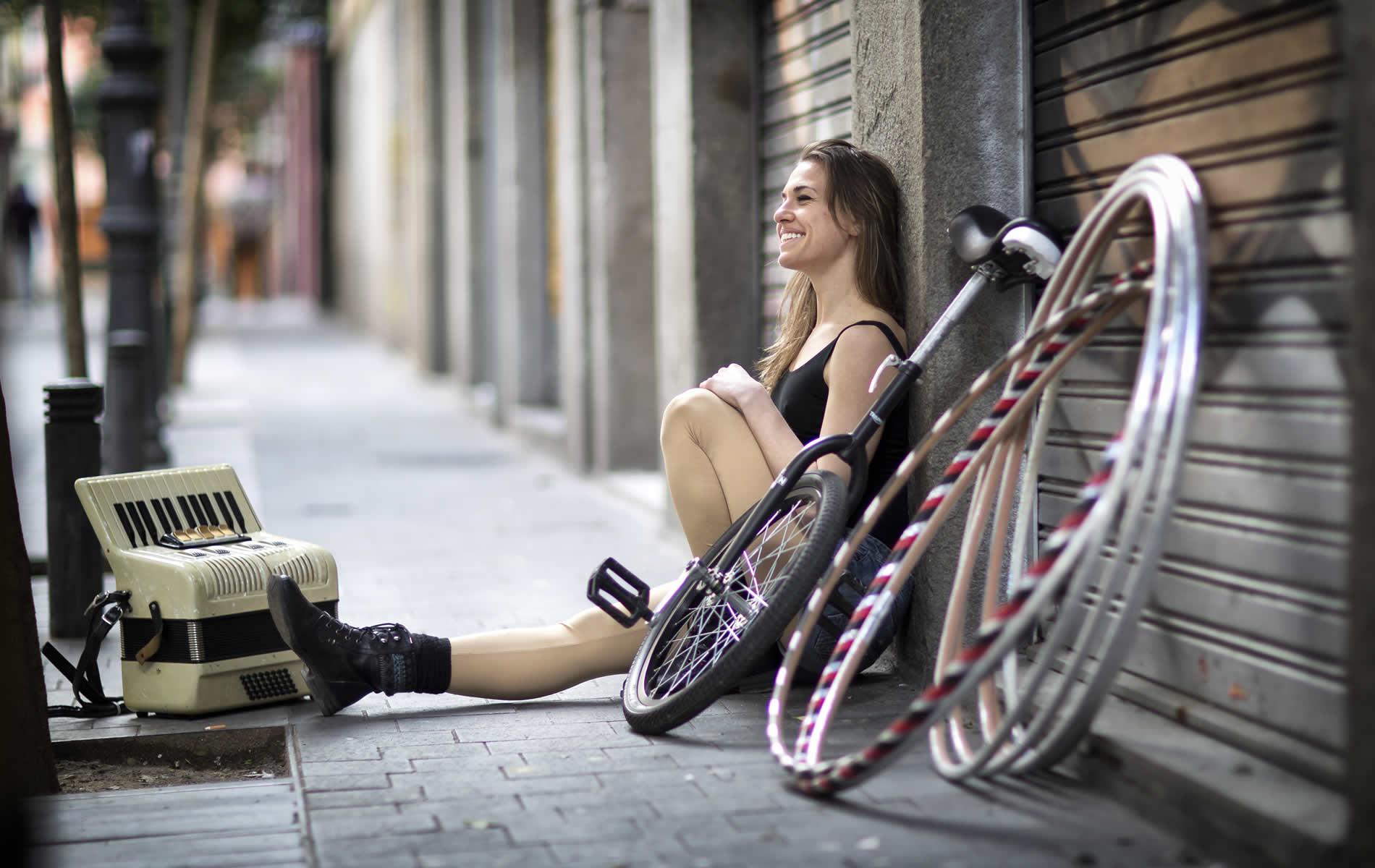 Eleni Ana, circus & hula hoop performer